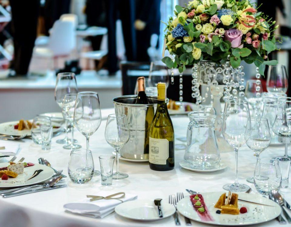Jak posadzić rodzinę na weselu