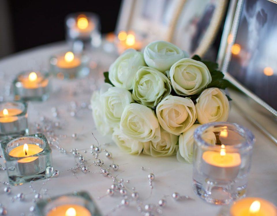 Napis LOVE na wesele lub ślub