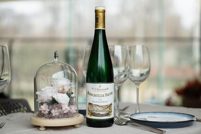 Jak dobrać wino do weselnego menu